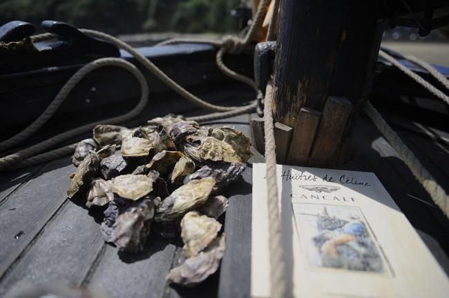 des huitres sur le pont du bateau l'An Durzunel
